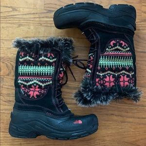 North Face girls size 5 snow boots